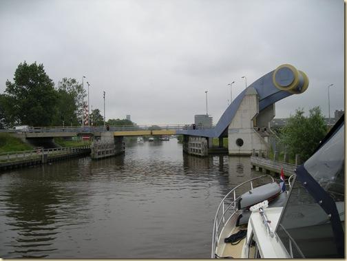 tiltas11