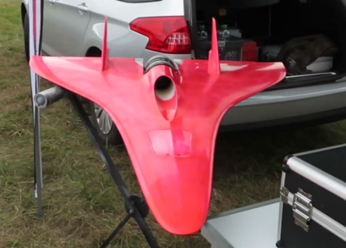 2014-11-05 20_21_53-very very very fast Turbine powered RC Jet 440 MPH Speed Guinness World Record 2