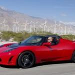 Kaip per 7 metus patobulėjo elektromobilis Tesla Roadster