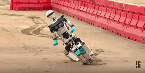 2015-06-08 20_57_53-A Compilation of Robots Falling Down at the DARPA Robotics Challenge - YouTube