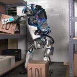Du vaizdo įrašai: apie robotą ir ypatingą žmogaus gebėjimą