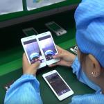 Kaip kinų gamintojai surenka ir išbando išmaniuosius telefonus