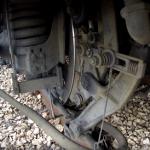 Kaip dirba traukinio pakaba, važiuojant 100 km/h greičiu