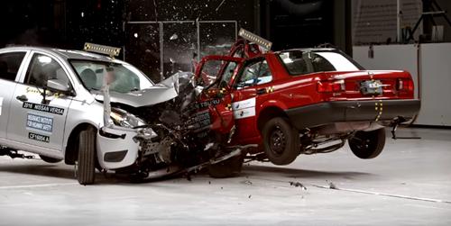 2016-11-03 18_44_58-2015 Nissan Tsuru vs. 2016 Nissan Versa - YouTube